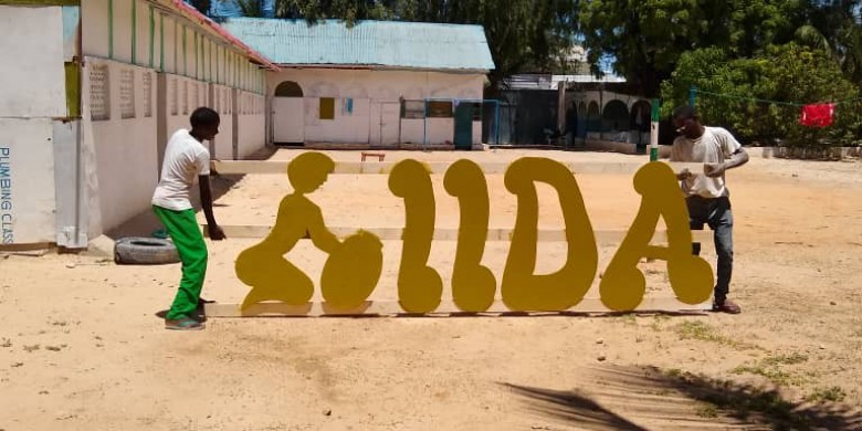 IIDA- photo-signage by the children